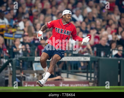 May 04, 2019 Houston Texans quarterback Deshaun Watson (4) during the JJ Watt Charity Classic, a softball game that provides funding for after-school athletic programs enhancing opportunities for middle-school aged children in the community to become involved in athletics, so that they may learn the character traits of accountability, teamwork, leadership, work ethic and perseverance, while in a safe and supervised environment with their peers Maria Lysaker/CSM - Stock Photo