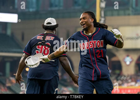 May 04, 2019 Houston Texans cornerback Bradley Roby (21) during the JJ Watt Charity Classic, a softball game that provides funding for after-school athletic programs enhancing opportunities for middle-school aged children in the community to become involved in athletics, so that they may learn the character traits of accountability, teamwork, leadership, work ethic and perseverance, while in a safe and supervised environment with their peers Maria Lysaker/CSM - Stock Photo