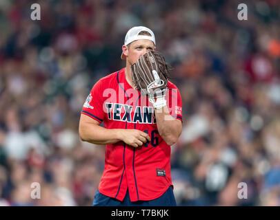 May 04, 2019 Houston Texans long snapper Jon Weeks (46) during the JJ Watt Charity Classic, a softball game that provides funding for after-school athletic programs enhancing opportunities for middle-school aged children in the community to become involved in athletics, so that they may learn the character traits of accountability, teamwork, leadership, work ethic and perseverance, while in a safe and supervised environment with their peers Maria Lysaker/CSM - Stock Photo