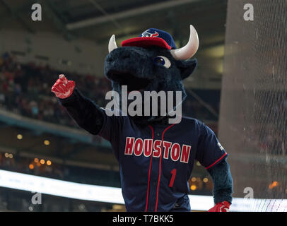 May 04, 2019 Houston Texans mascot Toro during the JJ Watt Charity Classic, a softball game that provides funding for after-school athletic programs enhancing opportunities for middle-school aged children in the community to become involved in athletics, so that they may learn the character traits of accountability, teamwork, leadership, work ethic and perseverance, while in a safe and supervised environment with their peers Maria Lysaker/CSM - Stock Photo