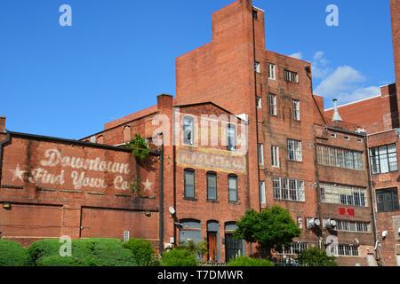 Red brick warehouses in downtown Durham North Carolina. - Stock Photo