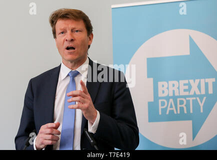 Westminster. London, UK 7 May 2019 - Richard Tice, Chairman of Brexit Party speaking at the press conference for the European election campaign in Westminster.  Credit: Dinendra Haria/Alamy Live News - Stock Photo