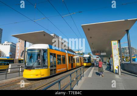 Tram-Haltestelle, Invalidenstrasse, Hauptbahnhof, Moabit, Mitte, Berlin, Deutschland