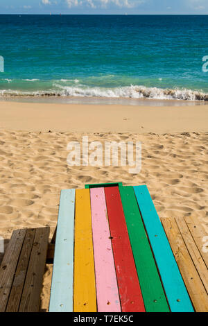 Picnic table, Marriott's Frenchman's Reef & Morning Star Beach Resort, Morningstar Beach, St. Thomas, US Virgin Islands. - Stock Photo