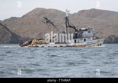 Mexico, Baja California Sur, Puerto San Carlos, Magdalena Bay (Madelaine Bay), artisanal fishing boat - Stock Photo