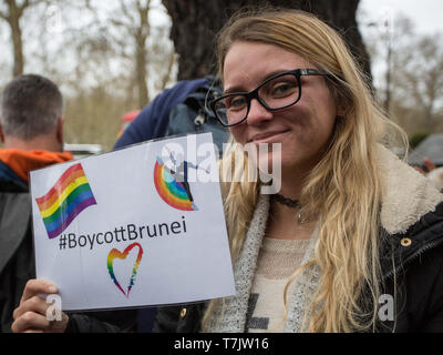 Protest against anti-gay laws in Brunei outside the Dorchester Hotel London.   The new legislation, allowing gay people to be stoned to death, was passed by the royal family who own the prestigious London hotel.  Featuring: Atmosphere, View Where: London, United Kingdom When: 06 Apr 2019 Credit: Wheatley/WENN - Stock Photo