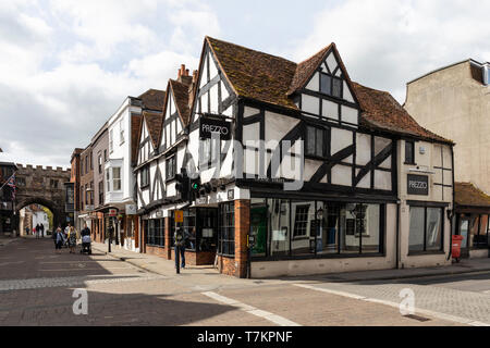 Prezzo Italian Restaurant in  a Grade II* Listed Building situated in Salisbury High Street, Wiltshire, UK - Stock Photo