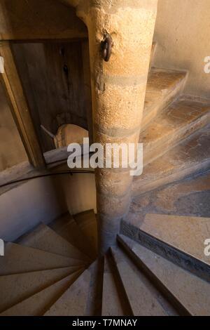 France, Rhone, Lyon, 5th district, Old Lyon district, historic site listed as World Heritage by UNESCO, place Neuve Saint Jean, traboule - Stock Photo