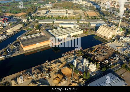 France, Rhône, Lyon, 7th district, Gerland district, Edouard Herriot port, Gerland stadium in the background (aerial view) - Stock Photo
