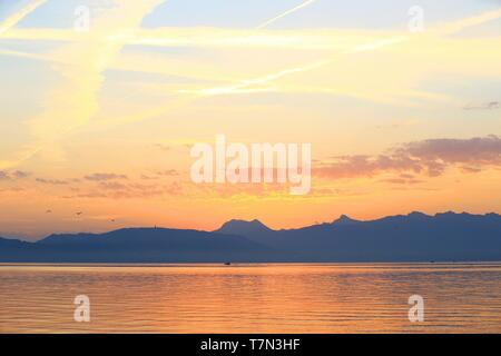 France, Haute Savoie (74), Evian les Bains, Lake Geneva, Switzerland in the background - Stock Photo