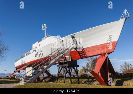 Canada, Quebec, Chaudiere-Appalaches Region, L'islet-sur-Mer, HMCS Bras d'Or, experimental hydrofoil, outside the Maritime Museum - Stock Photo