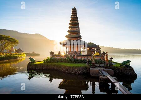 Indonesia, Bali, Center, Sunrise at Ulu Danu Bratan Temple - Stock Photo