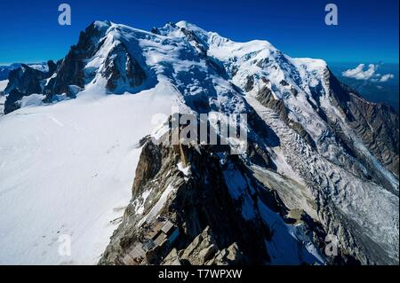 France, Haute-Savoie, Chamonix-Mont-Blanc, the Mont-Blanc from the observation deck of the summit station of the Aiguille du Midi cable car - Stock Photo