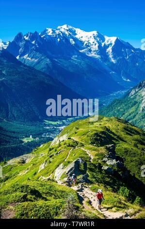 France, Haute-Savoie, Le Tour, Tour du Mt Blanc, col and Aiguille des Posettes, with Mont Blanc in the back - Stock Photo