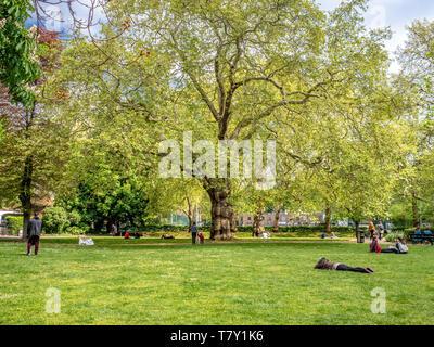 Brunswick Square Gardens, Camden, London. - Stock Photo