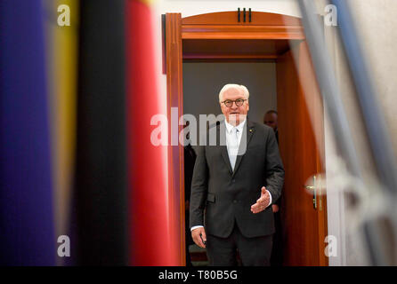 Laibach, Slovenia. 09th May, 2019. Federal President Frank-Walter Steinmeier comes for a talk. The Federal President visits Slovenia for two days. Credit: Britta Pedersen/dpa-Zentralbild/dpa/Alamy Live News - Stock Photo