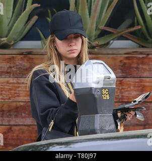 Los Angeles, California, USA. 9th May, 2019. Pictured: Ashley Benson Ashley Benson sighting in Los Angeles 5/9/19, Los Angeles, California, United States of America Credit: Broadimage Entertainment/Alamy Live News - Stock Photo