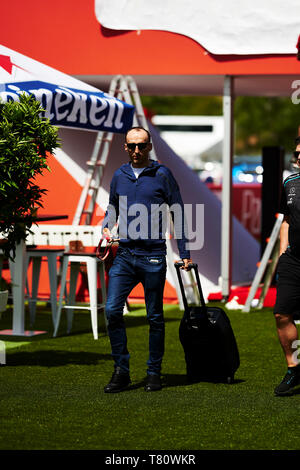 Barcelona, Spain. 9 May, 2019. Circuit de Barcelona-Catalunya, Barcelona, Spain; Formula One Grand Prix of Spain, driver arrivals and press conference; Robert Kubica of the Williams Team arrives to the circuit of Catalunya. Credit: Pablo Guillen/Alamy - Stock Photo