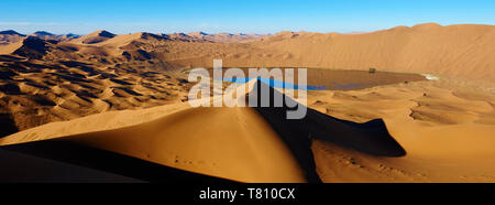 Badain Jaran Desert, Gobi Desert, Inner Mongolia, China, Asia - Stock Photo