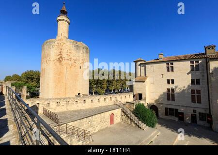 France, Gard, Regional Natural Park of Camargue, Aigues Mortes, the Constance Tower and the ramparts - Stock Photo