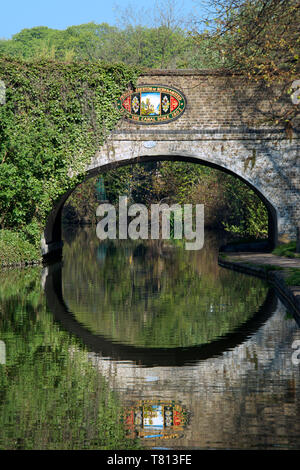 Bridge over Grand Union Canal Berkhamsted Hertfordshire England - Stock Photo