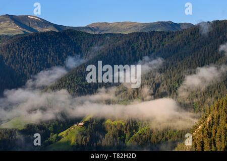 Georgia, Kakheti, Tusheti National Park, small hamlet in a valley not far from Omalo - Stock Photo