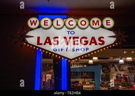 United States, Nevada, Las Vegas, in a souvenir shop a bright sign : welcome to Las Vegas - Stock Photo