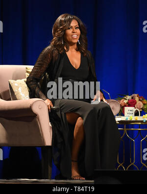 Sunrise FL, USA. 10th May, 2019. Former First Lady Michelle Obama attends her book tour 'Becoming' at The BB&T Center on May 10, 2019 in Sunrise, Florida. Credit: Mpi04/Media Punch/Alamy Live News - Stock Photo