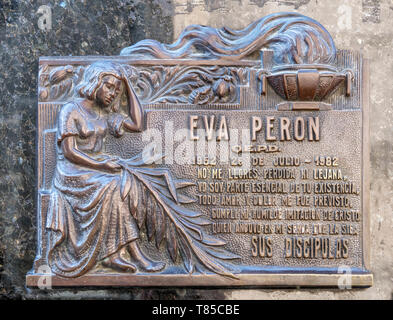 Plaque on the tomb of Eva Peron in the Cementerio de la Recoleta (La Recoleta Cemetery), Buenos Aires, Argentina - Stock Photo