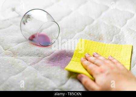 Stupendous Sponge Cleaning Wine Stain Dropped Wineglass Spilled Wine Inzonedesignstudio Interior Chair Design Inzonedesignstudiocom