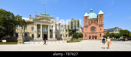 France, Bas Rhin, Strasbourg, Palace of Justice (courtroom) and Saint-Pierre le Jeune church - Stock Photo