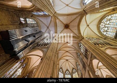 Germany, Bavaria, Upper Palatinate, Regensburg, historical center listed as World Heritage by UNESCO, St. Peter's cathedral (Dom St. Peter) - Stock Photo