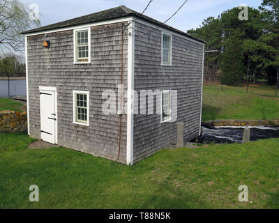 USA, Massachusetts, Cape Cod, New England, Yarmouth, Baxter Grist Mill, tidal, water driven, swans nesting, - Stock Photo