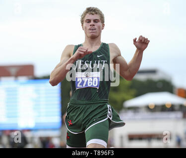Austin. 11th May, 2019. Matthew Boling of Houston Strake Jesuit High School immediately after a record-setting run in the boys 100-yard dash at the UIL State Track and Field Meet on Saturday, May 11, 2019 at Mike A. Myers Stadium in Austin, Texas. Boling set a new Texas state and national record with a time of 10.13 seconds. Credit: Scott Coleman/ZUMA Wire/Alamy Live News - Stock Photo