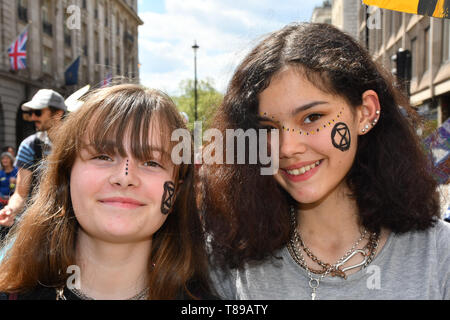 London, UK. 12th May, 2019. Thousands join Mothers rise up host a Mothers Climate March 2019 in Central London, on 12 May 2019, London, UK Credit: Picture Capital/Alamy Live News - Stock Photo