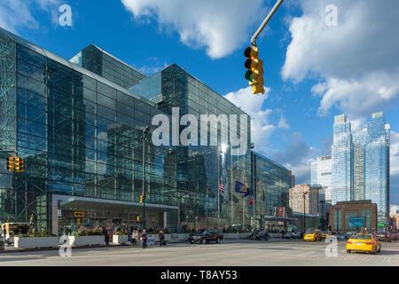 JACOB K JAVITS CONVENTION CENTER (©JAMES INGO FREED 1986) ELEVENTH AVENUE MANHATTAN NEW YORK CITY USA - Stock Photo