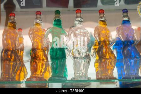 Bebida típica kumquats. Ciudad de Corfú, Isla Corfú, Islas Jónicas, Grecia, Mar Mediterráneo - Stock Photo
