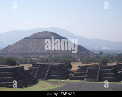 Pyramid of the Sun at Avenue of the Dead in Teotihuacan ruins near Mexico city landscape - Stock Photo