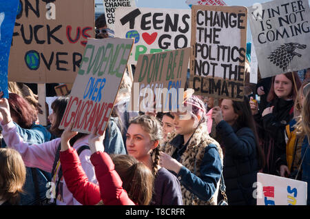 London, UK. 15 February 2019. School students at the London protests against Climate change in Westminster. Over a thousand school students walked out of school and gathered around Parliament Square to protest climate change. © Stuart Walden/ Alamy - Stock Photo