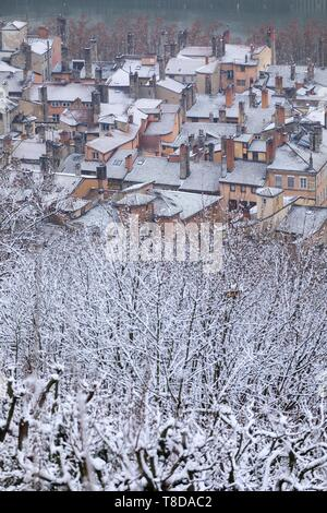 France, Rhone, Lyon, 5th district, Old Lyon district, historical site listed as World Heritage by UNESCO, since the place of Fourviere under the snow - Stock Photo