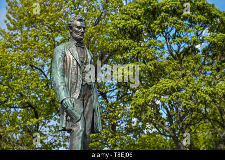 Statue of Abraham Lincoln by George Bissell on the memorial to Scottish American soldiers who fought in the American Civil War. - Stock Photo