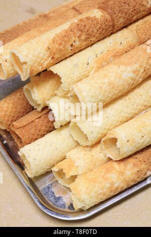 France, Saone et Loire, Macon, pastry Poissonnet, Wafers Maconnaises - Stock Photo