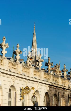 France, Meurthe et Moselle, Nancy, Stanislas square (former royal square) built by Stanislas Lescynski, king of Poland and last duke of Lorraine in the 18th century, listed as World Heritage by UNESCO, detail of the facade of the Musee des Beaux Arts (Fine arts museum) - Stock Photo