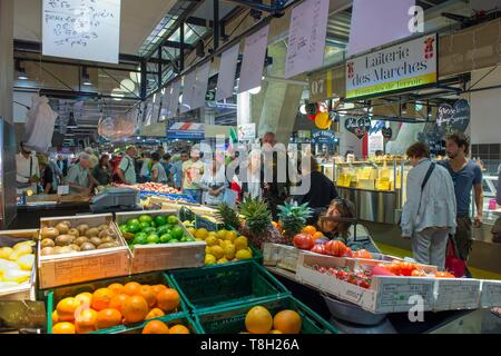 France, Savoie, Chambery, display of fruits and vegetables in the renovated market of Les Halles - Stock Photo