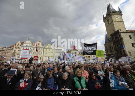 Prague, Czech Republic. 13th May, 2019. About 20,000 people attend third demonstration against PM Babis and new Justice Minister Benesova in the centre of Prague, Czech Republic, May 13, 2019. Credit: Katerina Sulova/CTK Photo/Alamy Live News - Stock Photo