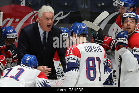 Bratislava, Slovakia. 13th May, 2019. BRATISLAVA, SLOVAKIA - MAY 13, 2019: Milos Riha (L background), head coach of the Czech men's national ice hockey team, during the 2019 IIHF Ice Hockey World Championship Preliminary Round Group B match against Russia at the Ondrej Nepela Arena. Alexander Demianchuk/TASS Credit: ITAR-TASS News Agency/Alamy Live News - Stock Photo