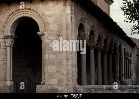 PORTICO ROMANICO. Location: IGLESIA DE SAN MARTIN. Arévalo. AVILA. SPAIN. - Stock Photo