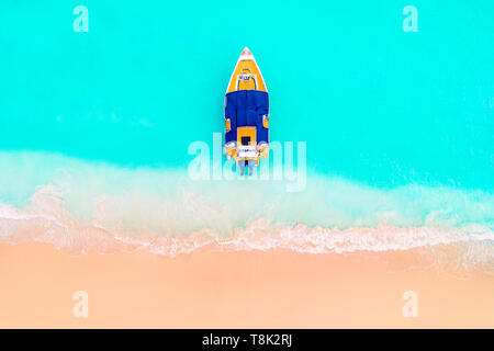 Beautiful carribean sea and boat , panoramic view from the beach - Stock Photo