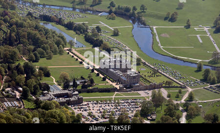 aerial view of Chatsworth House stately home in Derbyshire - Stock Photo