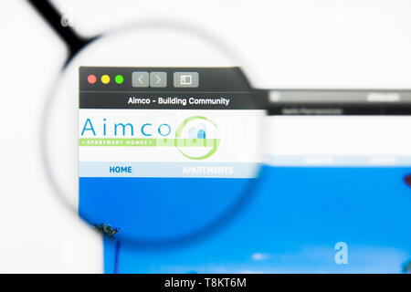 Richmond, Virginia, USA - 9 May 2019: Illustrative Editorial of Apartment Investment and Management Company website homepage. Apartment Investment and - Stock Photo